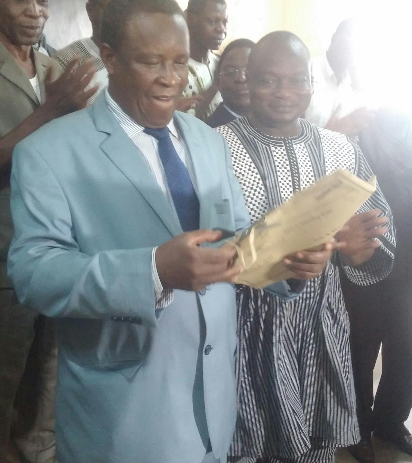 Verification de l'enveloppe par le Ministre