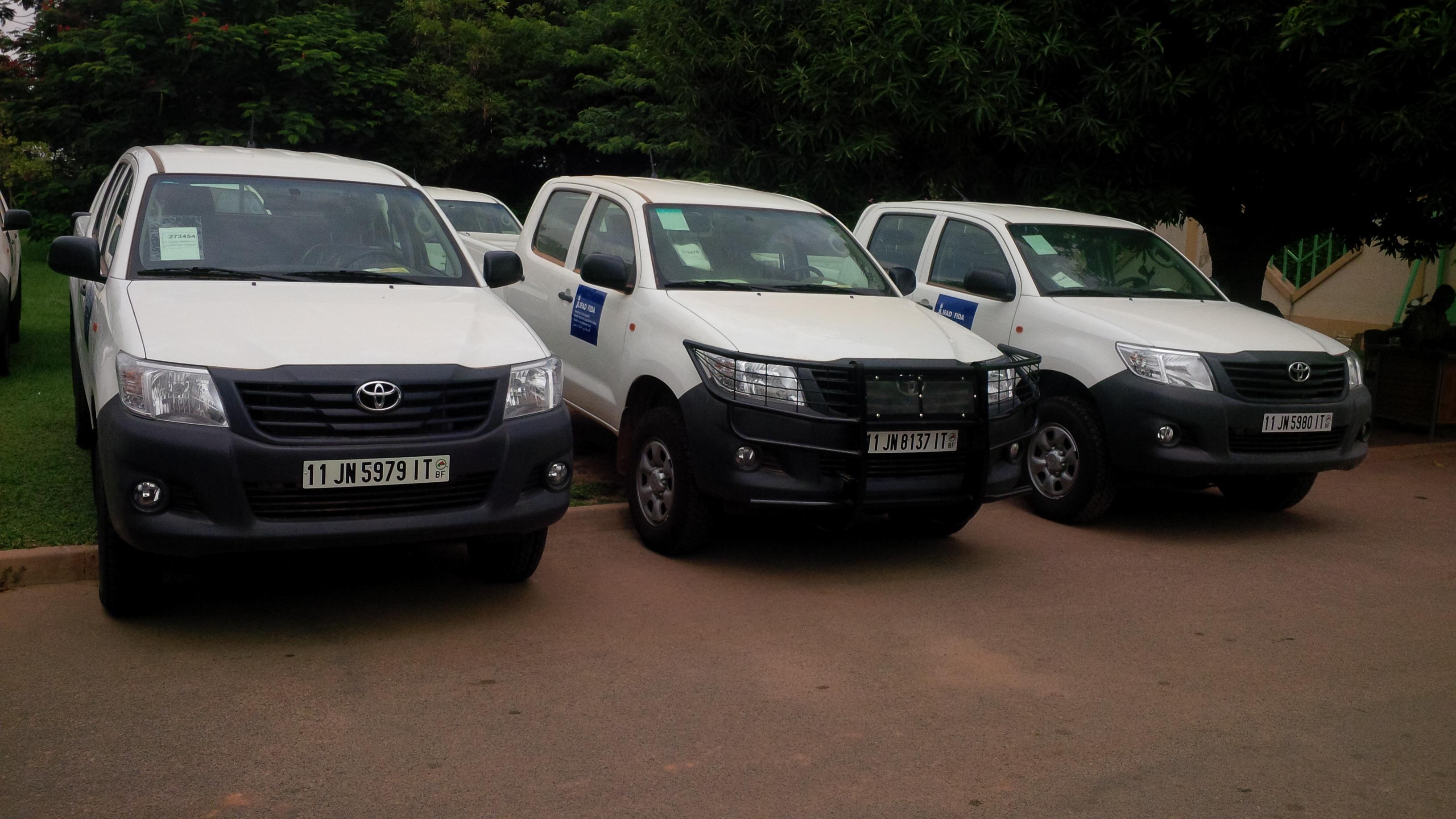 les véhicules flambant neuf pour les régions du centre nord, du nord et de l'est