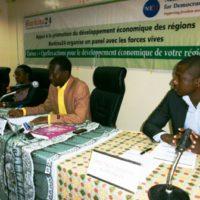 Le présidium à l'ouverture du panel.