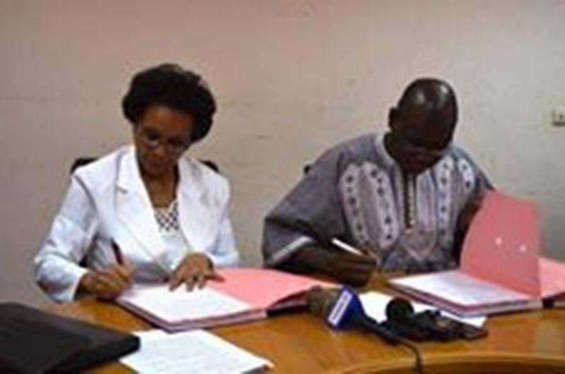La signature de l'accord