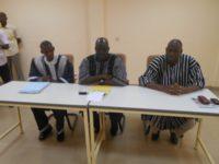 Présidium : Gouverneur au milieu à sa droite le DREPPS Sankaon Somé et à sa gauche  Marius Managabamba Zoungrana DRENA