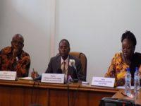 Pour le ministre en charge de la fonction publique, Clément Sawadogo (au milieu), l'octroi des statuts autonomes n'est pas conforme aux textes en vigueur au Burkina Faso