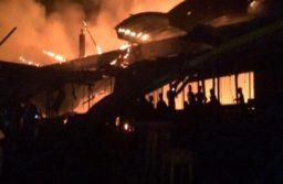Le marché d'abobo à Abidjan parti en fumée