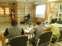 Devant le jury, Mr Dieudonné TOUGFO a présenté les résultats de son étude sur la procédure d'accompagnement des communes du Burkina Faso par la CADEPAC de la Coopération Suisse.